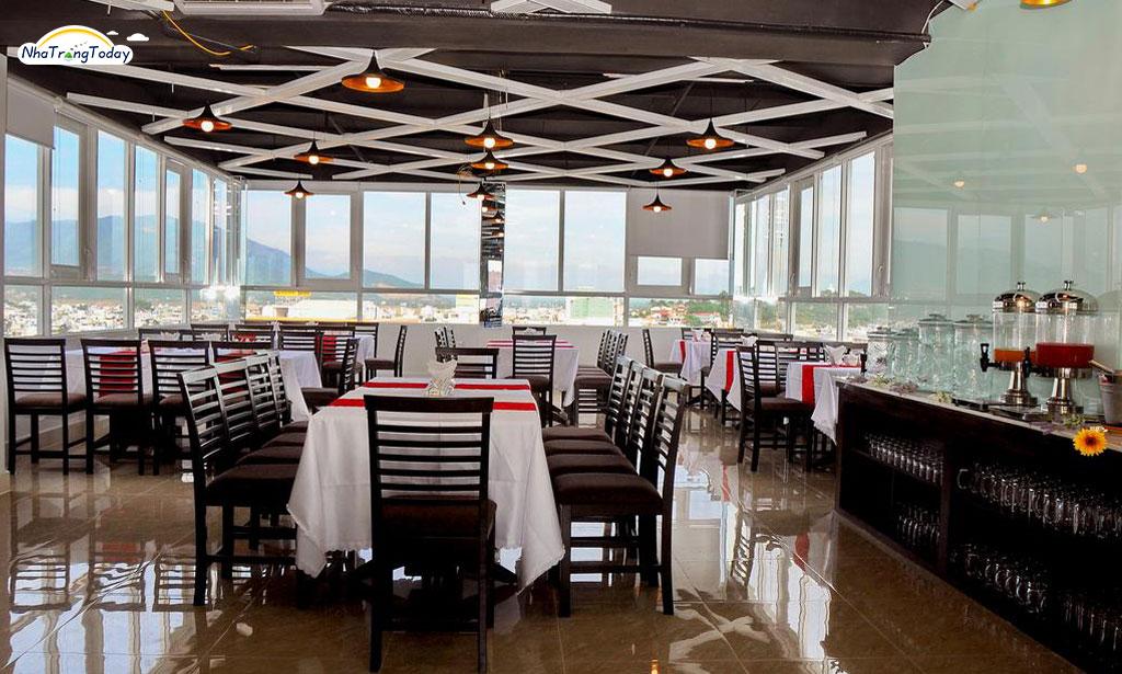 Khách sạn Full House Nha Trang