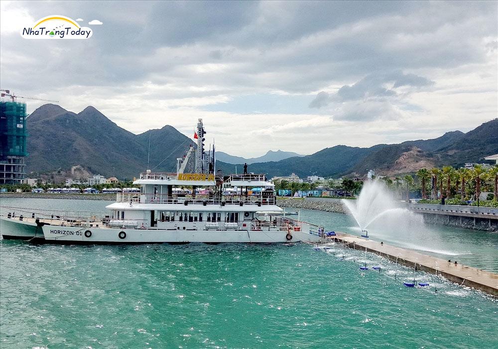 Bến du thuyền Ana Marina Nha Trang
