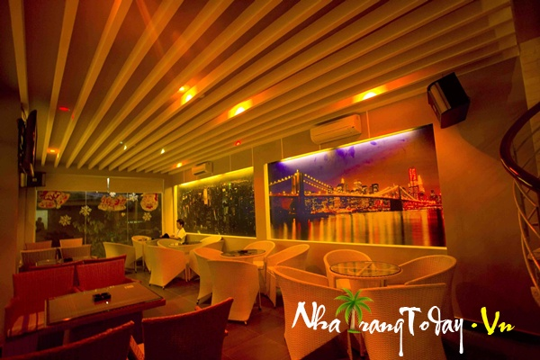 Blue Heaven Hotel & Cafe DJ