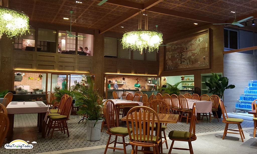 Cafe Bốn Mùa