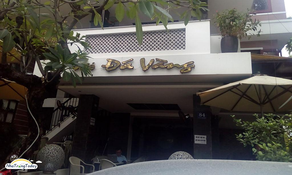 Cafe Đá Vàng