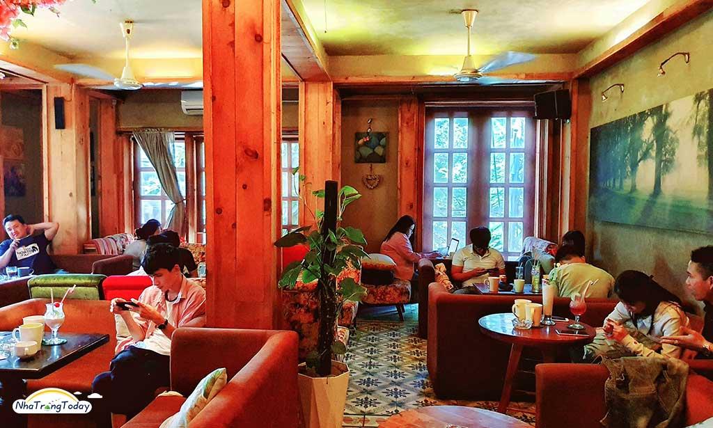 Cafe Eighteen (Eighteen House Coffee)