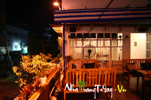 Cafe Lilac