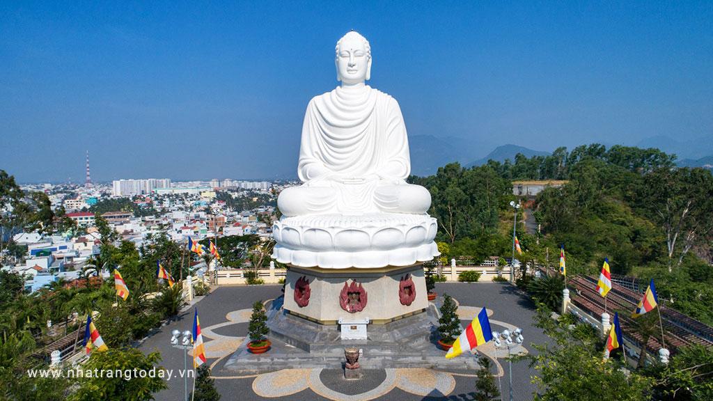 Chùa Long Sơn Nha Trang - Kim Thân Phật Tổ Ngự Thiên 100 Năm