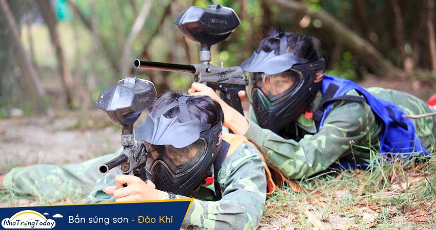 Bắn súng sơn tại đảo khỉ nha trang