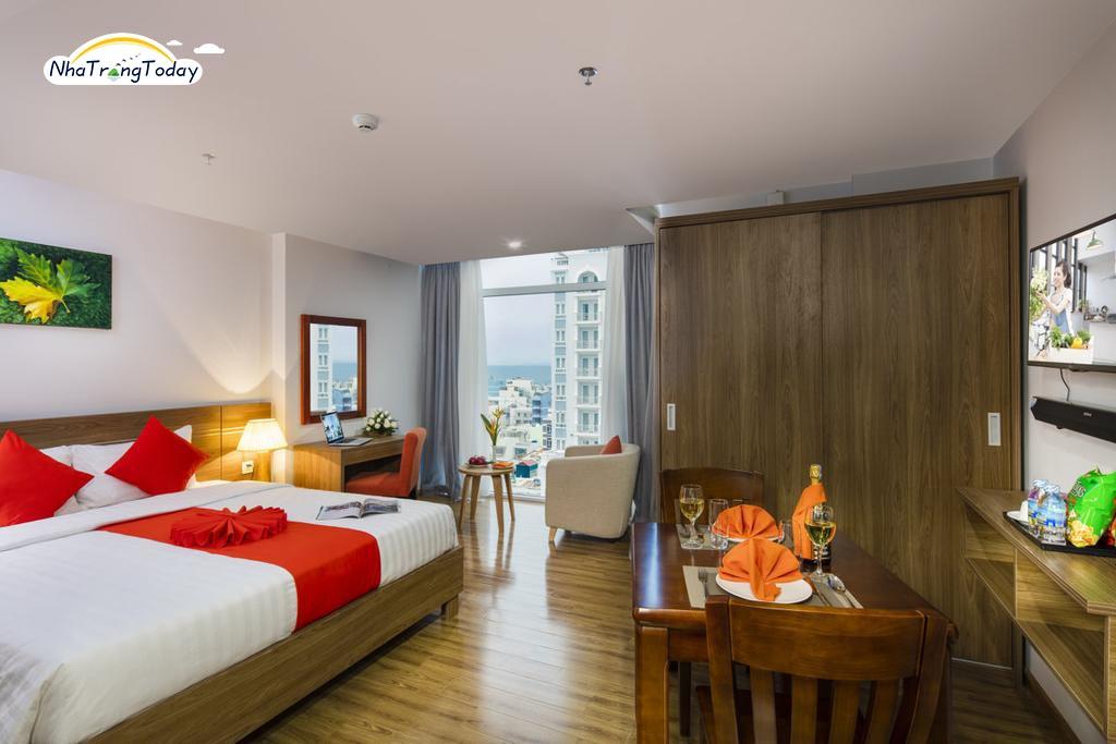 Khách sạn Maple Leaf and Apartment