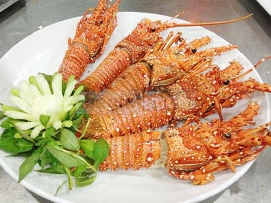 Quán hải sản Long Vũ