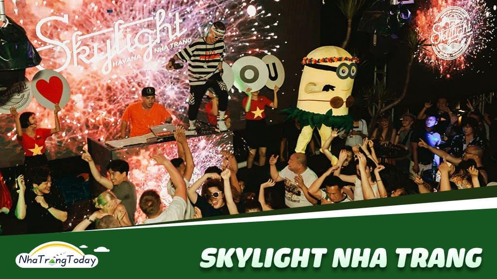 Skylight Nha Trang - Quẫy Tung Nóc với Bar Nổi Tiếng Nhất Việt Nam