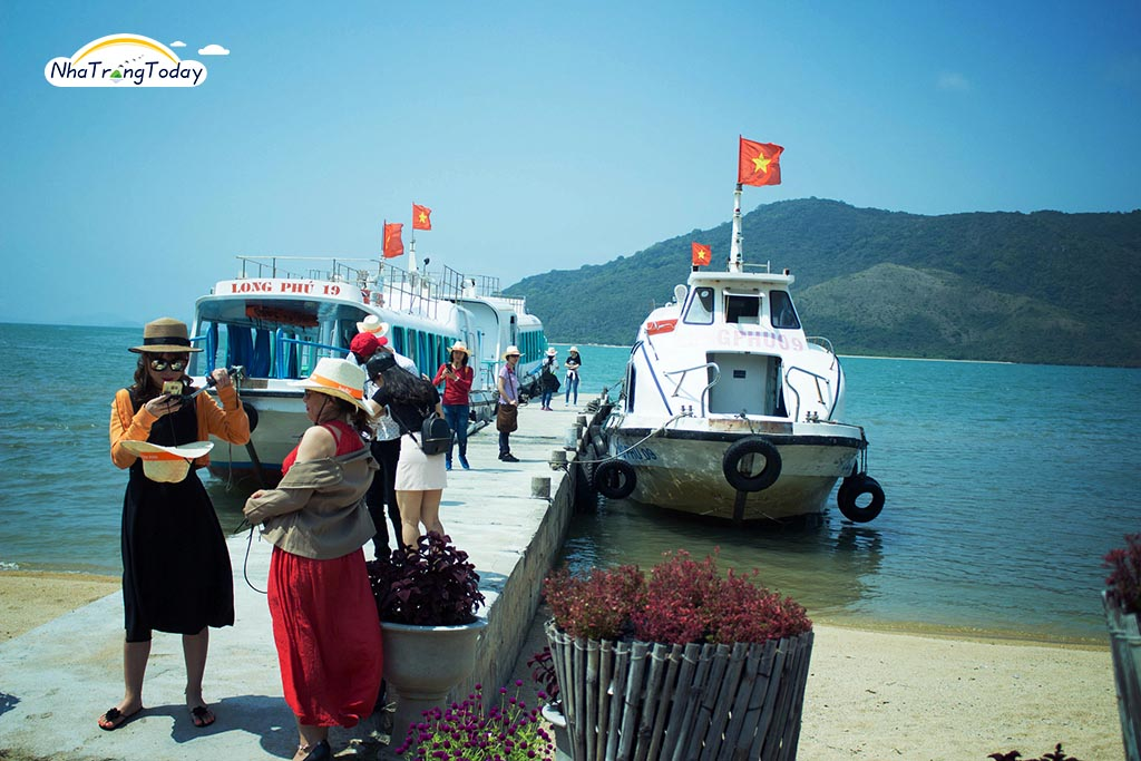 Cảng Long Phú (cảng Đá Chồng)