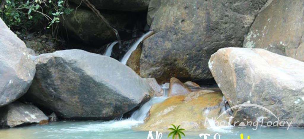 Suối Lùng