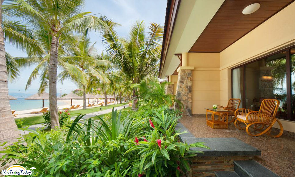 vinpearl-luxury-nha-trang-beach-front
